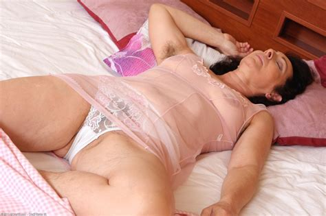 Sleeping mom assault free sex videos jpg 800x533