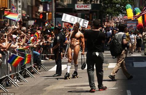 gay pride day new york jpg 962x630