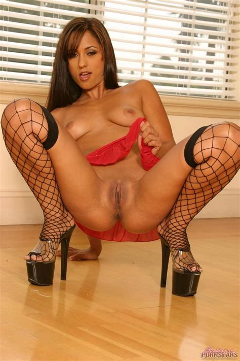 Reena sky nude pictures at justpicsplease jpg 933x1400